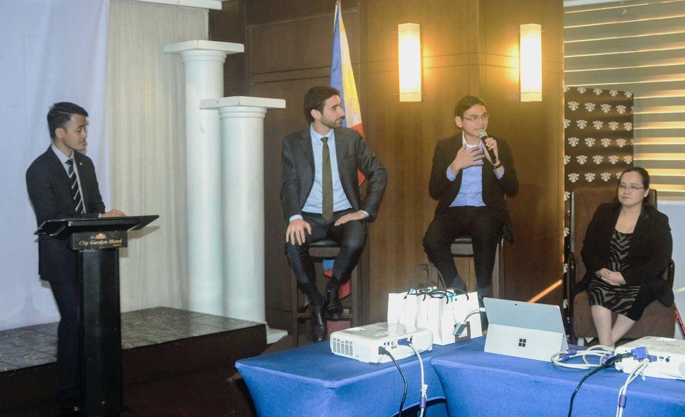 Alberto Reyes, Luca de Risi, Francis Uy and Jocelyn M. Reyes discussing pragmatic EA applications