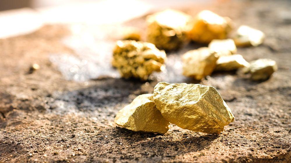 Mining Data Gold.jpg